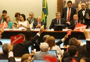 A comissão especial de impeachment ouve os juristas Miguel Reale Jr. e Janaína Paschoal, autores da denúncia contra a presidente Dilma Rousseff Foto: Andre Coelho / Agência O Globo