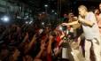 Chico Buarque participa de ato a favor do governo Dilma