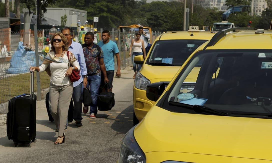 Protesto taxistas: quem perdeu voo poderá remarcar viagem sem custos