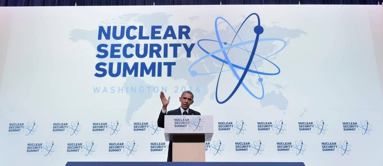 Alerta. Obama fala em conclusão da Cúpula de Segurança Nuclear: americanos temem materiais em mãos erradas Foto: MANDEL NGAN / AFP