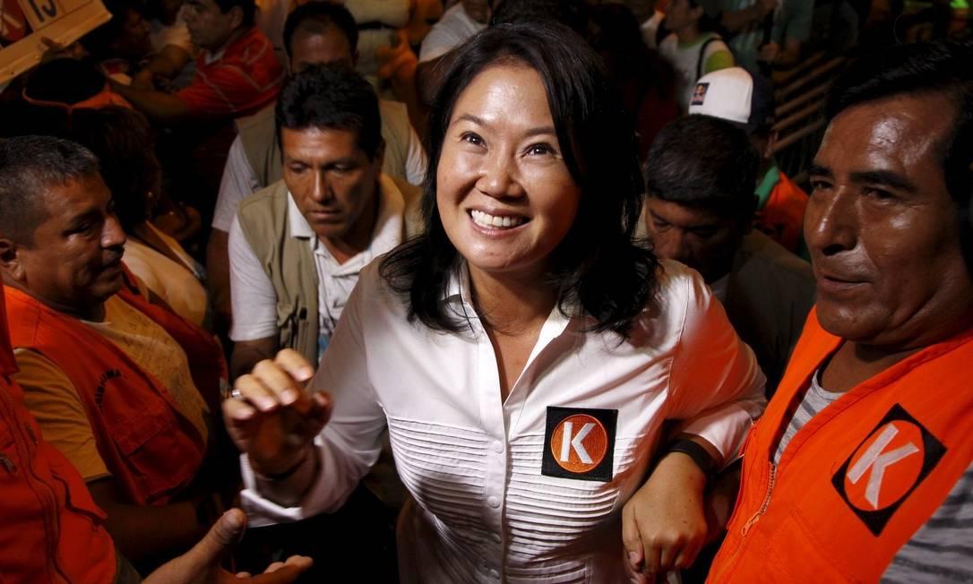 Keiko Fujimori durante campanha em Lima: para analistas, um dos principais desafios da candidata, que foi derrotada em 2011, é superar a rejeição ao fujimorismo Foto: JANINE COSTA / REUTERS/31-3-2016