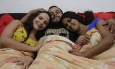 Yasmin Nepomuceno, Leandro Jonattan e Thais Souza de Oliveira vivem em uma casa em Madureira Foto: Marcelo Carnaval / Agência O Globo