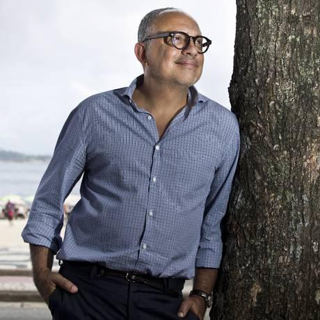 Arthur Casas, responsável pelo projeto do hotel Emiliano na Praia de Copacabana, lança livro que inclui obras residenciais em solo carioca Foto: Mônica Imbuzeiro