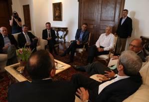 Líderes do PSDB se reuniram na sede do governo paulista nesta sexta-feira Foto: Pedro Kirilos/Agência O Globo