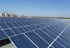 Entrega de energia solar por usinas vencedoras de leilão em 2014 pode ser adiada Foto: Terceiro / Agência O Globo
