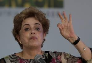 Presidente Dilma Rousseff disse que impeachment é tentativa de 'golpe' e 'afronta à democracia' Foto: Marcelo Carnaval / Agência O Globo