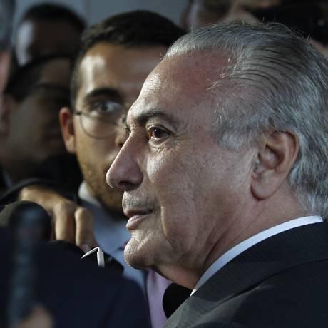 O vice-presidente Michel Temer, durante entrevista Foto: Givaldo Barbosa / O Globo