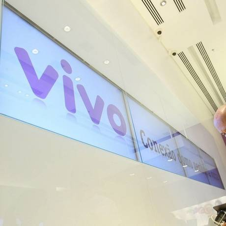 Freio no acesso. Vivo, que acaba de comprar a GVT, anunciou que internet será cortada após fim da franquia Foto: Adriano Machado / Bloomberg News