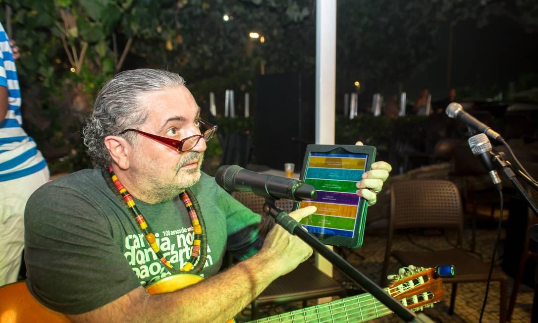 Moacyr Luz entre um samba e uma dica Mariana Annunziato