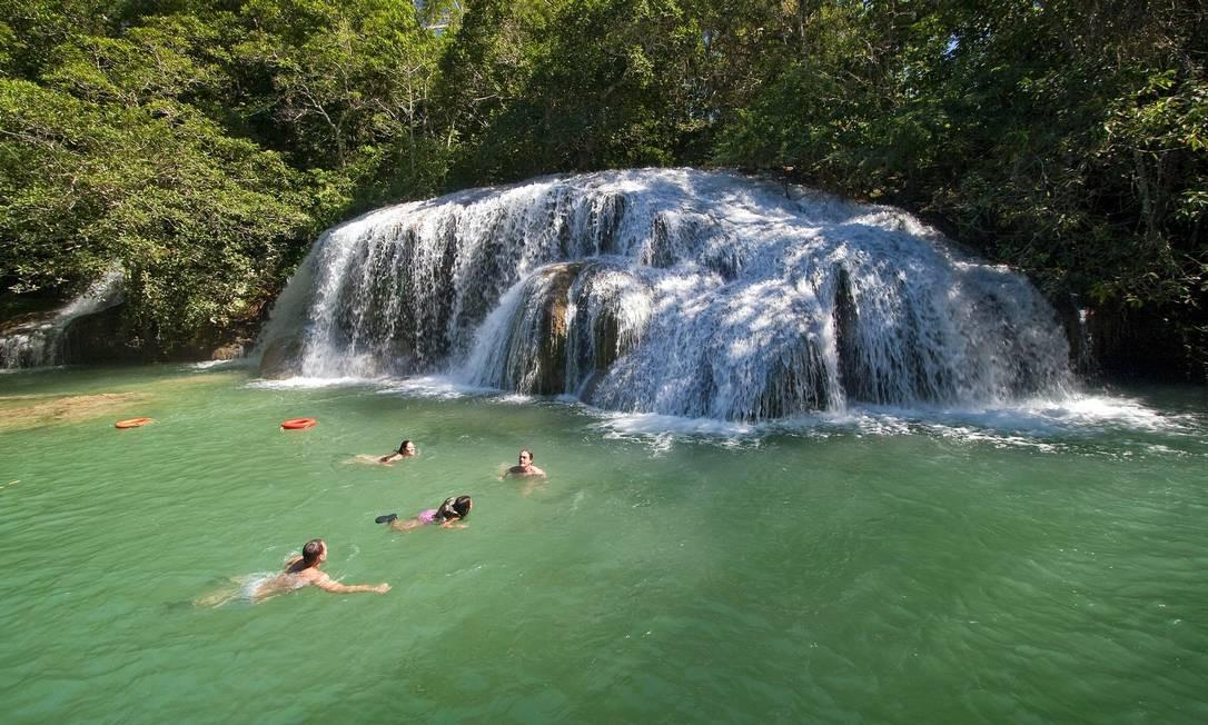 A Cachoeira do Sinhozinho é uma das mais populares de Bonito e fica na Estância Mimosa. Foto: Daniel de Granville / Divulgação