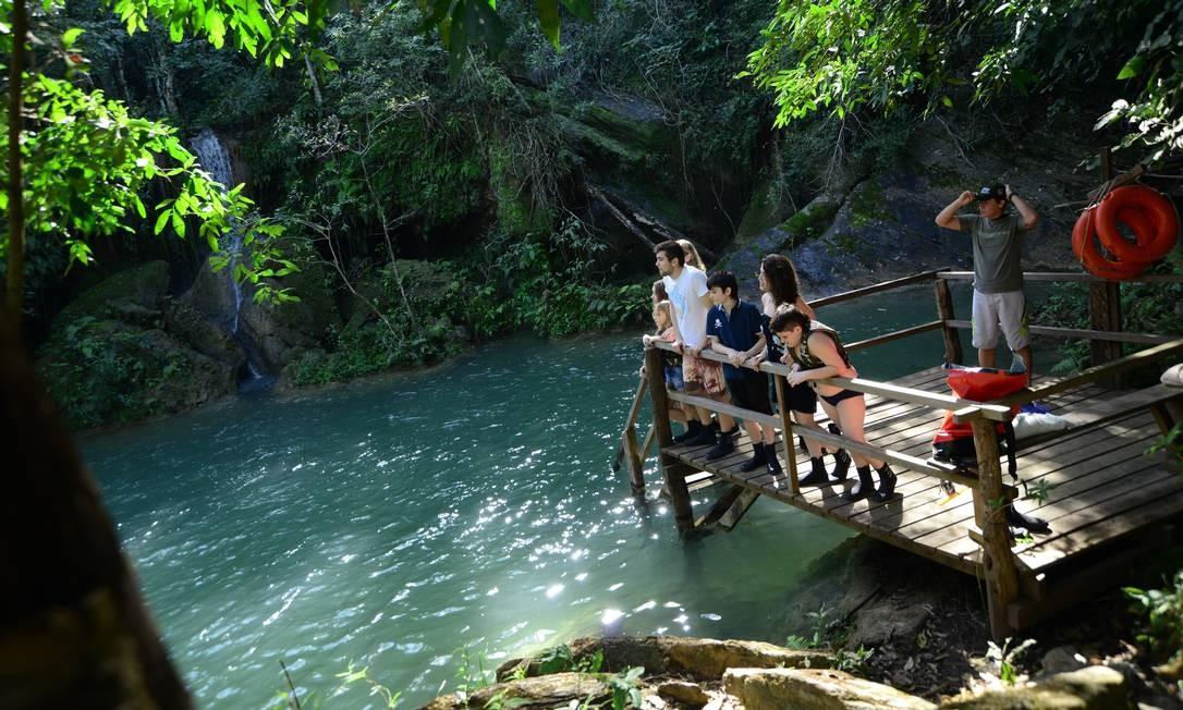 Deque para uma das sete cachoeiras que estão na Estância Mimosa, na região do Rio Mimoso. Foto: Beto Nascimento / Divulgação