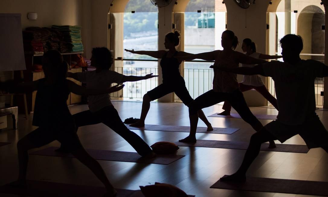 32f01fb2e7 Aula de ioga no estúdio Arte de Viver é uma das formas de alcançar o estado