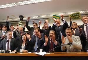 Deputados do PP durante reunião decide apoiar o impeachment Foto: Givaldo Barbosa / Agência O Globo