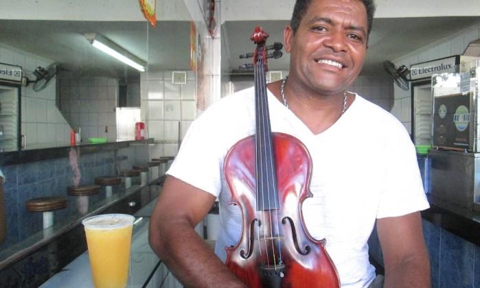 """Jonas Caldas: """"A música sensibiliza as pessoas"""" Foto: Mauro Ventura / O GLOBO"""
