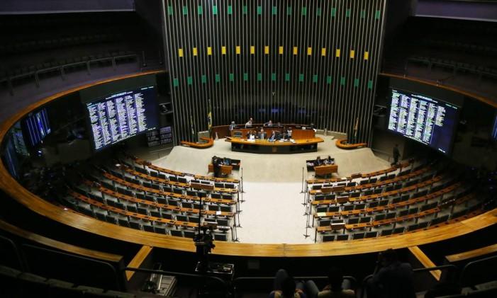 Sessão da Câmara dos Deputados na última terça-feira Foto: Ailton de Freitas / Agência O Globo