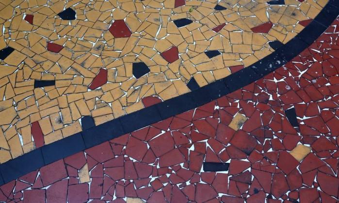As histórias por trás dos caquinhos que coloriram subúrbios brasileiros