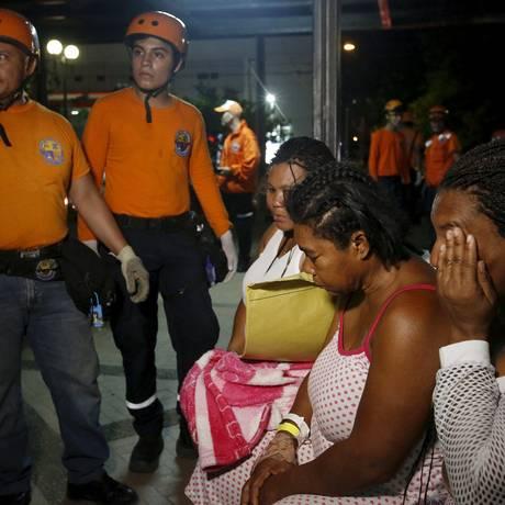 Pacientes foram retirados de hospital em Cali, na Colômbia, em função de abalos Foto: JAIME SALDARRIAGA / REUTERS