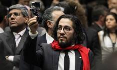 O deputado Jean Wyllys, durante a votação do impeachment na Câmara Foto: Jorge William / Agência O Globo