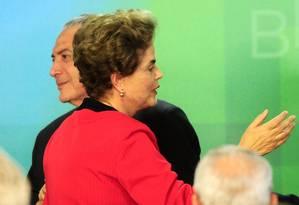 Michel Temer e Dilma Rousseff durante solenidade no Palácio do Planalto Foto: RUY BARON/02-03-2016 / Agência O Globo