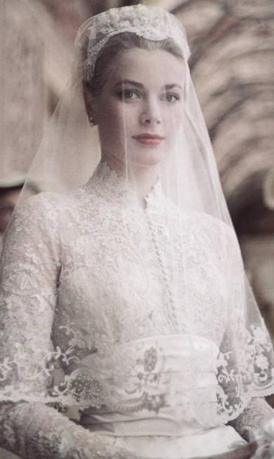 Há 60 anos, o mundo inteiro parava para acompanhar um conto de fadas da vida real: o casamento da atriz Grace Kelly com príncipe Rainer de Mônaco divulgação