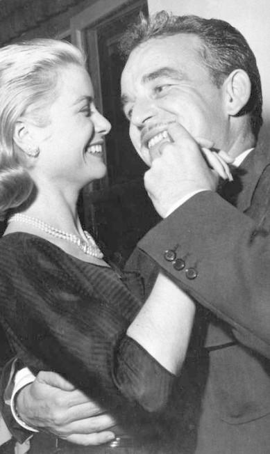 O casal em 1956, durante a lua de mel em Mallorca, na Espanha AP Photo