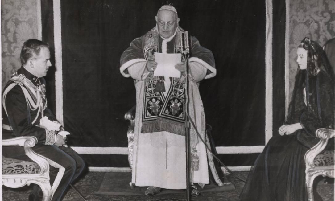 Rainier e Grace com o papa João XXIII, em 1959 Arquivo