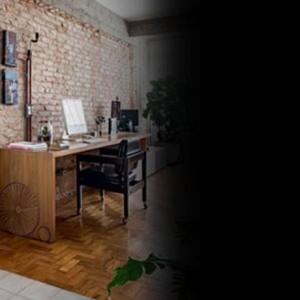 Apê com jeito de casa com luz natural e muito verde Foto: Reprodução