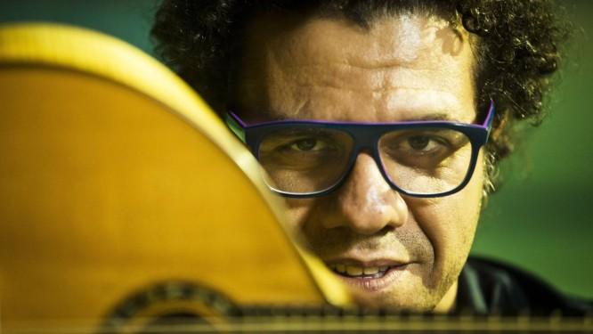 Amigos. Disco tem participações de Chico, do pianista italiano Stefano Bollani e da cantora catalã Silvia Perez Cruz Foto: Guito Moreto