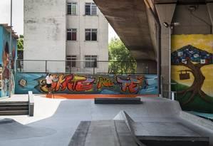 Pintura, grafite e design moderno marcam a reforma promovida na Vila Olímpica do Encantado Foto: Hermes de Paula/ Agência O Globo