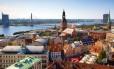 Vista aérea de Riga, a capital da Letônia: pequena, organizada e barata