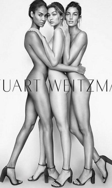 Aqui, Gigi aparece (no centro) nua ao lado das modelos Joan Smalls e Lily Aldridge na campanha de verão 2016 de Stuart Weitzman Divulgação