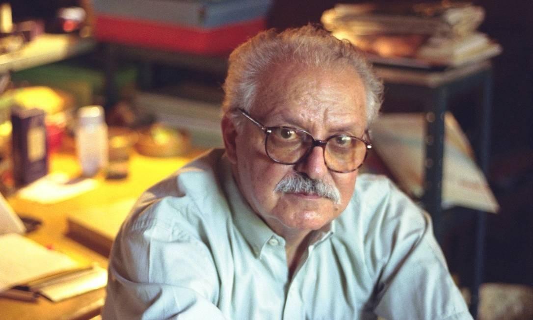 Salim Miguel. Nascido no Líbano, autor tinha a vida de imigrantes como tema central de sua obra Foto: Leonardo Aversa / 16-12-1999