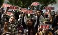 Parentes das vítimas fazem protesto no México