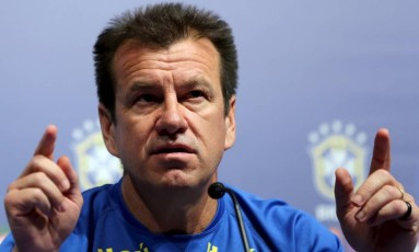 Dunga convoca nesta quinta a seleção brasileira para a Copa América Foto: REUTERS/Paulo Whitaker