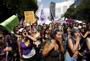 Milhares de mulheres e homens foram às ruas no México para protestar contra violência de gênero Foto: GINNETTE RIQUELME / REUTERS