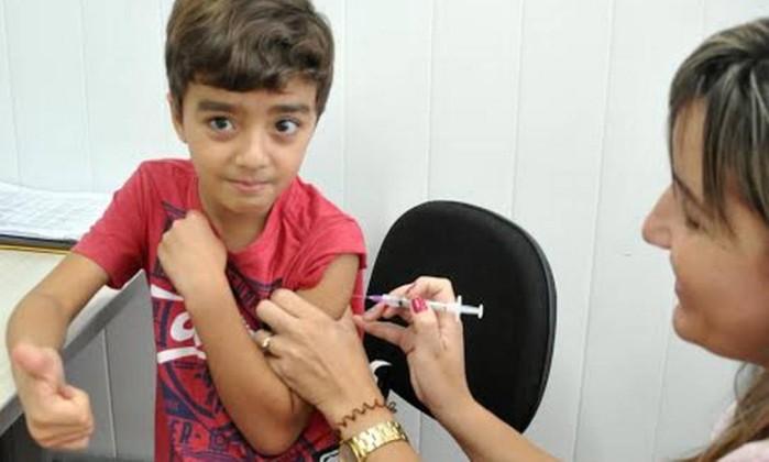 Resultado de imagem para vacina menino