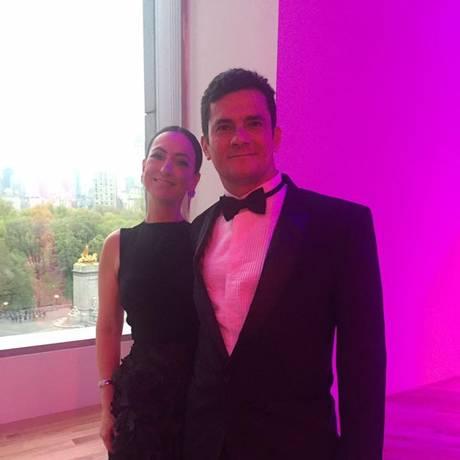 O juiz Sérgio Moro e a mulher, Rosangela Wollf Moro, no jantar de gala da