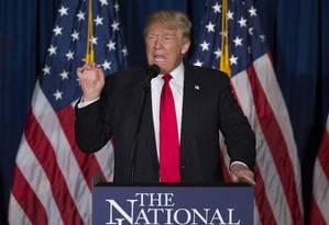 Pré-candidato republicano Donald Trump discursa sobre política externa dos EUA Foto: Evan Vucci - AP