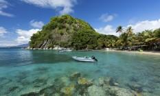 Praia Pão de Açúcar na ilha Terre-de-Haut, em Guadalupe Foto: JOHN BURCHAM/The New York Times