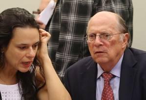 Os juristas Miguel Reale Jr e Janaina Paschoal na comissão da Câmara: nesta quinta-feira, eles falam a senadores Foto: Andre Coelho / Agência O Globo / 30-3-2016