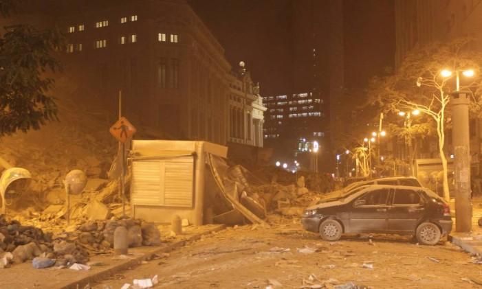 Prédio desabou na rua 13 de Maio em 2012: 17 pessoas morreram Foto: Domingos Peixoto 25-01-2012 / Agência O Globo