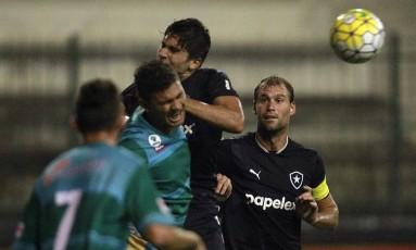 Botafogo sofreu para empatar em 1 a 1 com o Coruripe-AL, pela Copa do Brasil, no Estádio Los Larios, mas se classificou Foto: Vitor Silva / SSPress/Botafogo