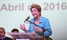 A presidente Dilma Rousseff na Cerimônia de abertura da Conferência Nacional de Direitos Humanos Foto: André Coelho / Agência O Globo (27-04-2016)