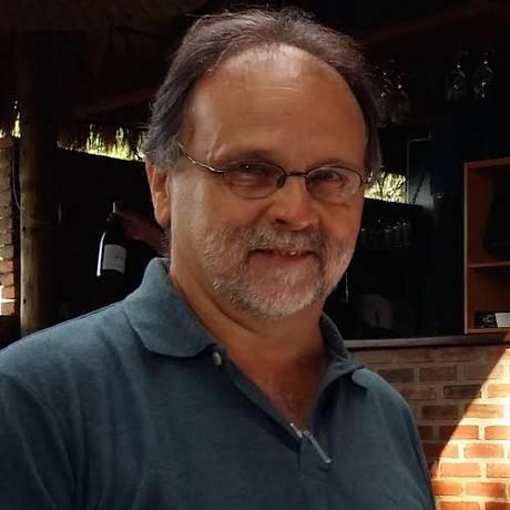 Escritor Rogerio Dardeau cria guia dos produtores de vinhos nacionais Foto: Divulgação
