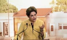 A presidente Dilma Roussef durante cerimônia de anúncio da prorrogação do programa Mais Médicos Foto: Givaldo Barbosa / Agência O Globo