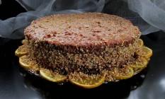 'Sformato di Arància': no lugar de farinha e manteiga, coloca-se amêndoas e nozes Foto: Divulgação