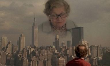 """Cena de um episódio escrito por Woody Allen no filme """"VContos de Nova York"""", de 1989: o pesadelo da mãe que inferniza o filho Foto: Arquivo"""