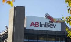 Logotipo da AB InBev em unidade da Beck, na Alemanha Foto: Jasper Juinen / Bloomberg/4-11-2015
