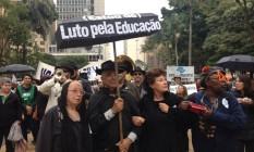 Profissionais da educação protestam contra política salarial do governo Alckmin Foto: Stella Borges