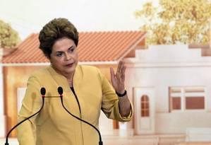 A presidente Dilma na cerimônia de prorrogação do programa Mais Médicos Foto: Givaldo Barbosa / Agência O Globo
